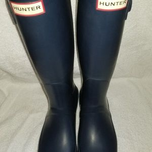 Hunter Boots in Navy Size 7